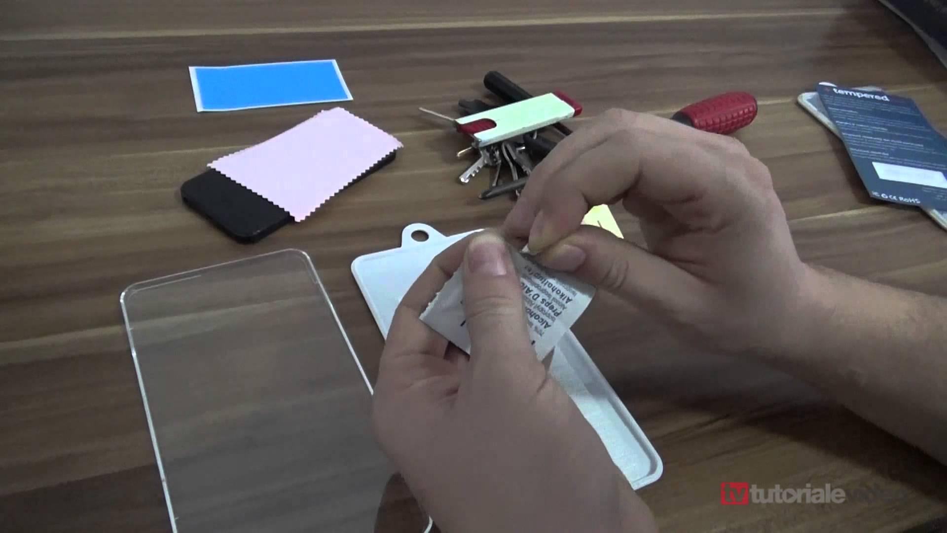 Consurs folie de protectie din sticla securizata pentru Iphone 5 sau Iphone 5S