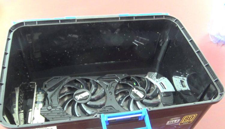 Water test Ati Radeon 7950 3GBddr5 384 Biti In congelator