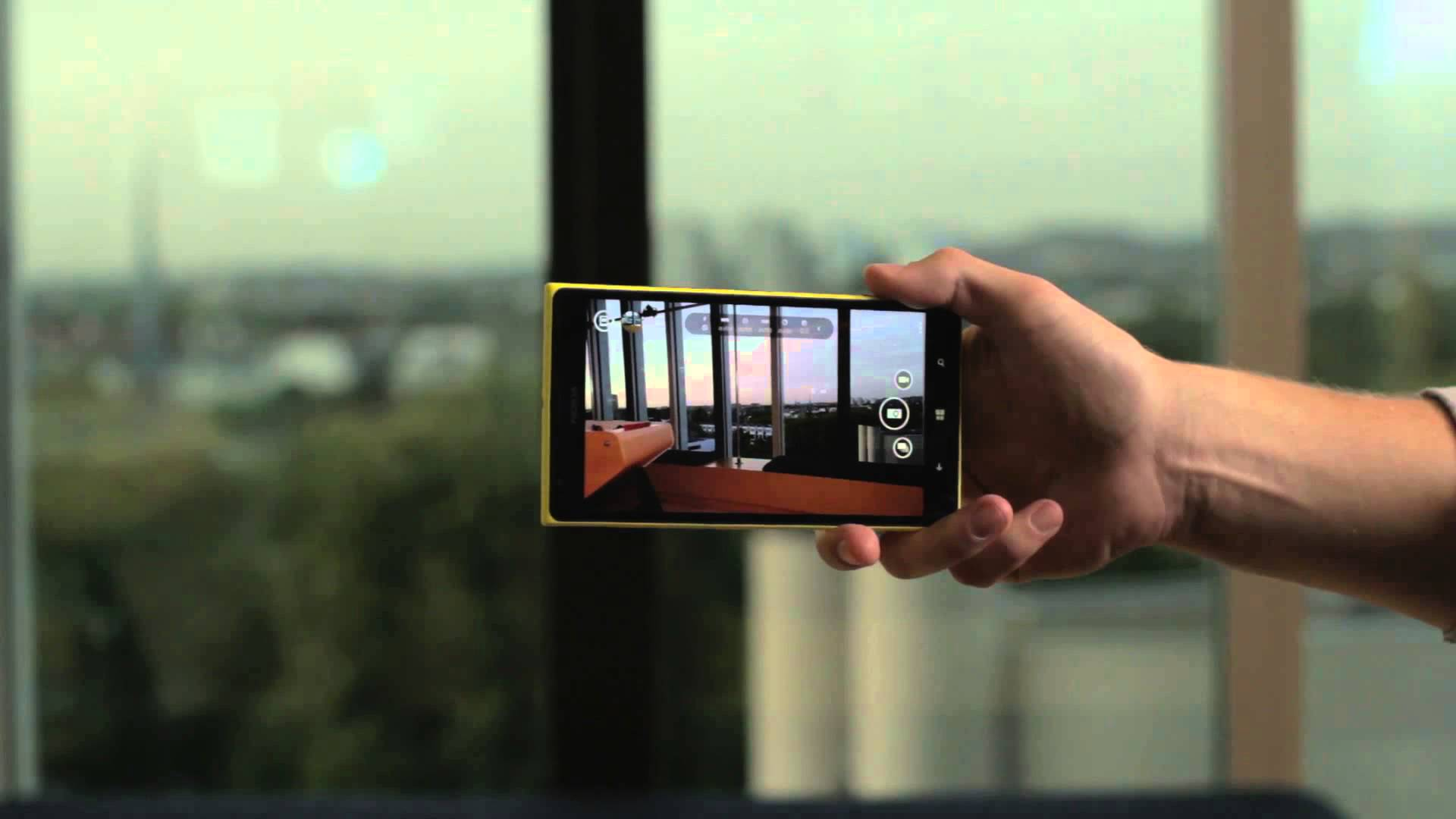 Nokia Lumia 1520 (VIDEO) Hands On