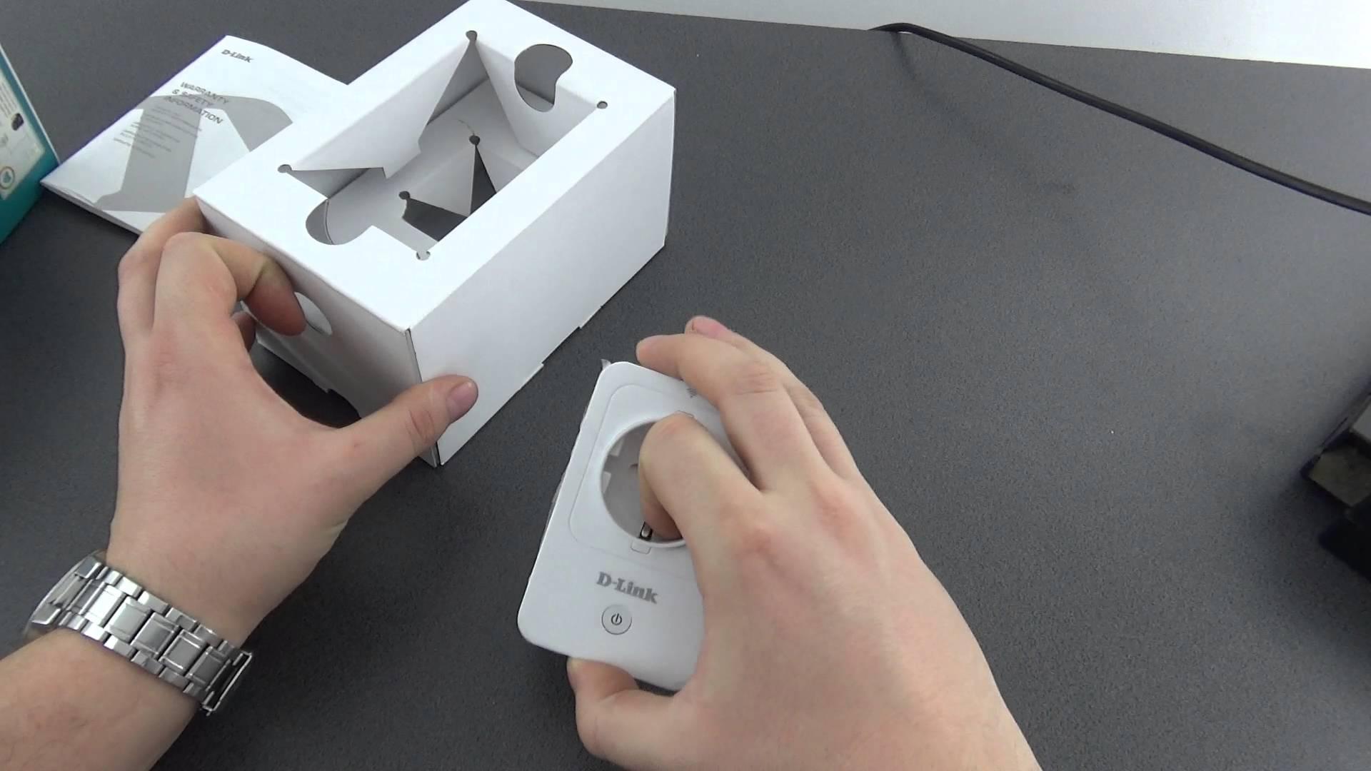 Unboxing SmartPlug D-Link cum ne transformam casa intr-o casa inteligenta