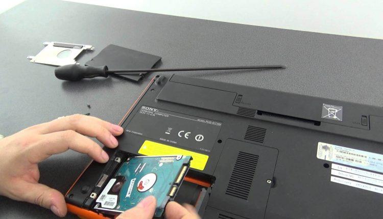Cum schimbam un hard-disk la un laptop