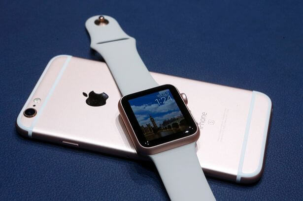 Apple-iPhone-6S-and-Apple-Watch