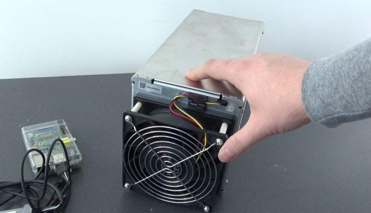 Unboxing Avalon 721 miner pentru bitcoin